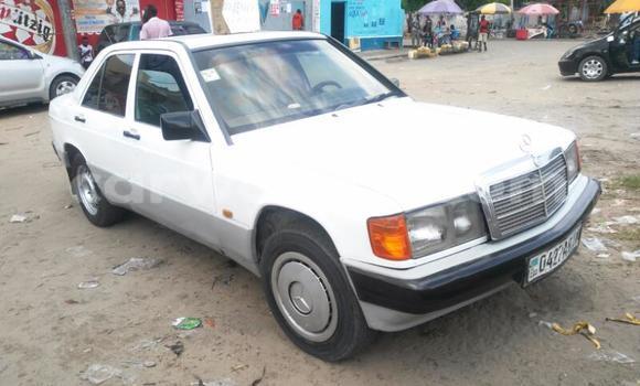 Acheter Voiture Mercedes Benz 190 E Blanc en Limete