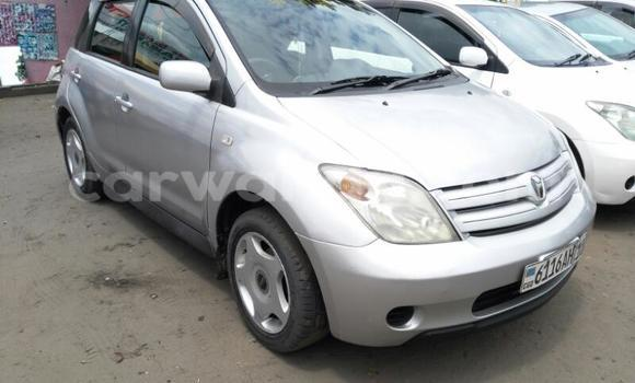 Acheter Voiture Toyota IST Gris en Ndjili