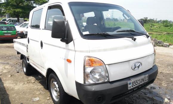 Acheter Utilitaire Hyundai H100 Blanc à Kalamu en Kinshasa
