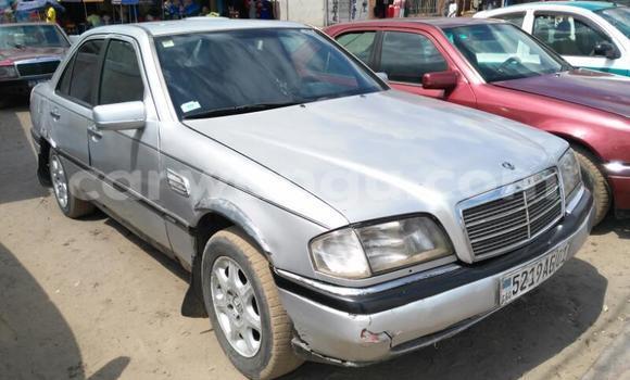Acheter Voiture Mercedes Benz C-Class Gris en Limete