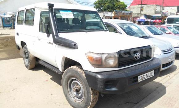 Acheter Voiture Toyota Land Cruiser Blanc en Limete