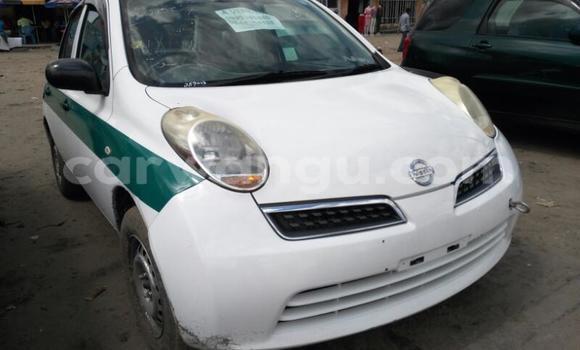 Acheter Voiture Nissan March Blanc en Limete