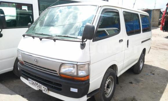 Acheter Voiture Toyota Hiace Blanc en Limete