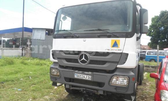 Acheter Voiture Mercedes Benz Actros 3340 Blanc à Kalamu en Kinshasa