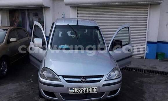 Acheter Voiture Opel Corsa Gris en Bandalungwa