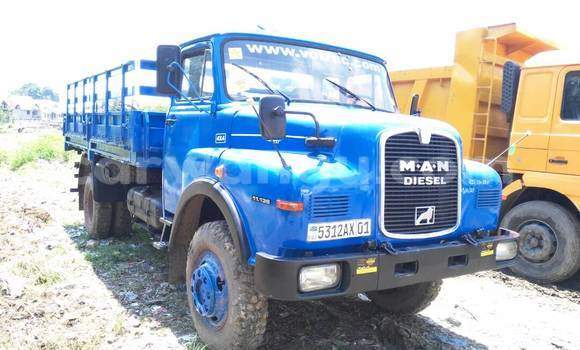 Acheter Utilitaire Man 11.136 Bleu à Kalamu en Kinshasa