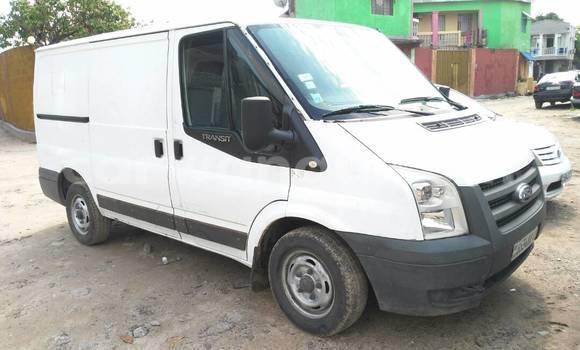 Acheter Voiture Ford Transit Blanc à Bandalungwa en Kinshasa