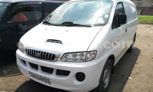 Acheter Utilitaire Hyundai H200 Blanc à Limete en Kinshasa