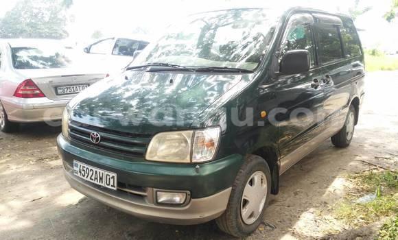 Acheter Voiture Toyota Noah Vert en Kasa Vubu