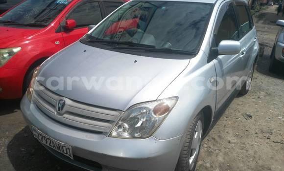 Acheter Voiture Toyota IST Gris en Kasa Vubu