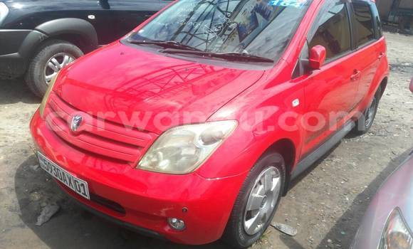 Acheter Voiture Toyota IST Rouge en Kasa Vubu