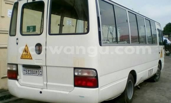 Acheter Utilitaire Toyota Coaster Blanc à Bandalungwa en Kinshasa