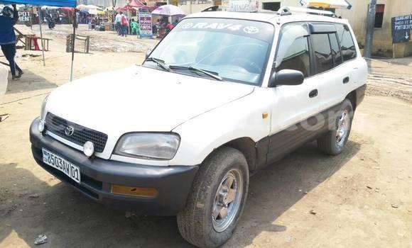 Acheter Voiture Toyota RAV4 Blanc en Limete