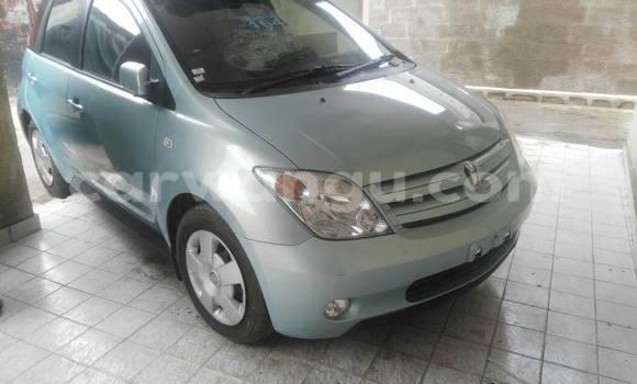 Acheter Voiture Toyota IST Vert en Kasa Vubu