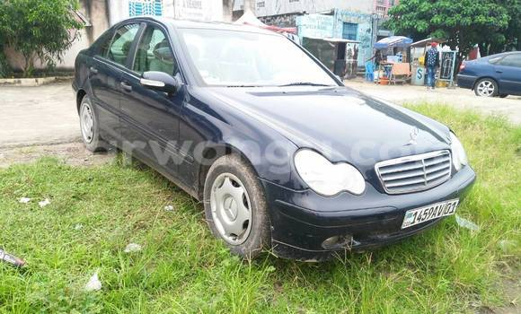 Acheter Voiture Mercedes Benz C-Class Bleu en Ndjili