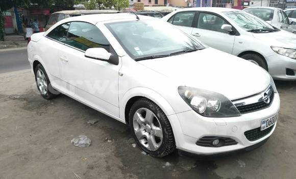 Acheter Voiture Opel Zafira Blanc à Bandalungwa en Kinshasa