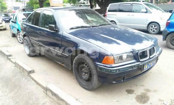 Acheter Voiture BMW 3-Series Bleu à Bandalungwa en Kinshasa