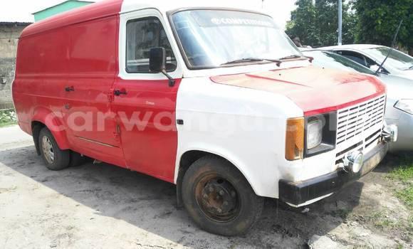 Acheter Voiture Toyota Hiace Blanc en Bandalungwa