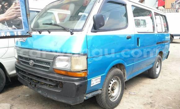 Acheter Voiture Toyota Hiace Bleu en Bandalungwa