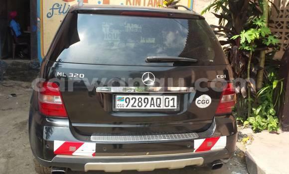 Acheter Voiture Mercedes Benz ML-Class Noir en Gombe