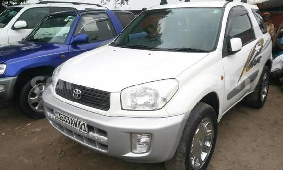 Acheter Voiture Toyota RAV4 Blanc en Kalamu
