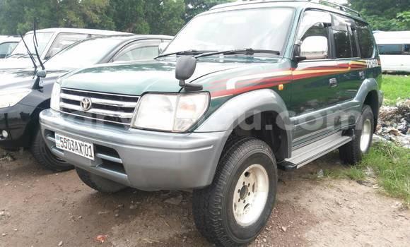 Acheter Voiture Toyota Prado Vert en Kalamu
