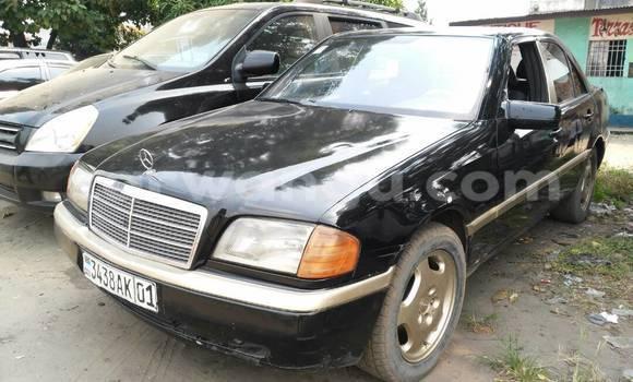 Acheter Voiture Mercedes Benz C-Class Noir en Lemba