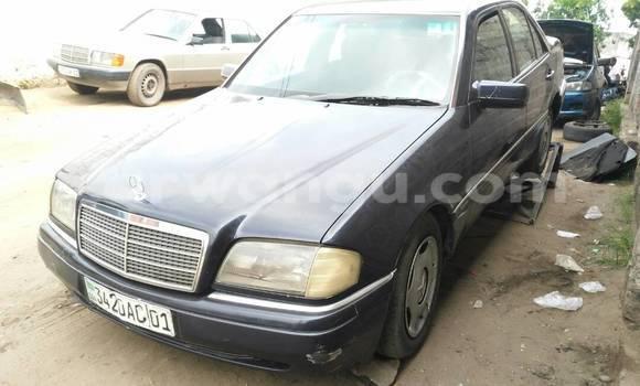 Acheter Voiture Mercedes Benz C-Class Bleu en Bandalungwa