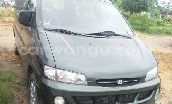 Acheter Voiture Hyundai H1 Vert en Limete