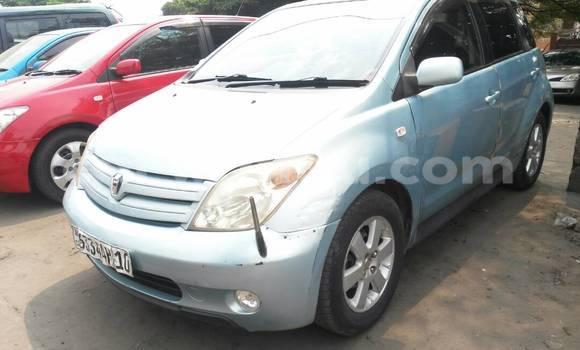 Acheter Voiture Toyota IST Bleu en Lemba