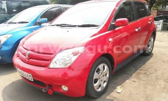 Acheter Voiture Toyota IST Rouge en Limete