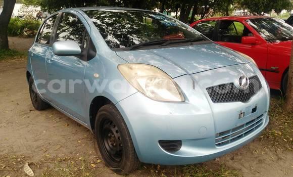 Acheter Voiture Toyota Vitz Bleu en Limete