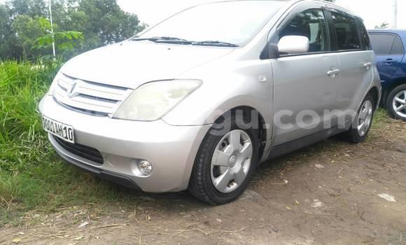 Acheter Voiture Toyota IST Gris en Limete