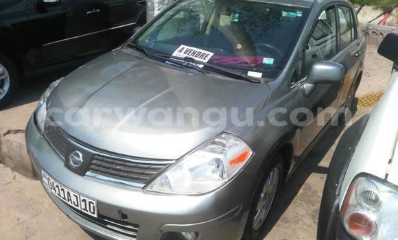 Acheter Voiture Nissan Almera Gris en Gombe