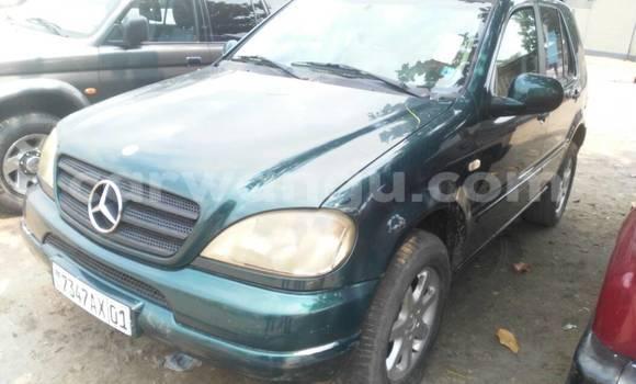 Acheter Voiture Mercedes Benz ML-Class Vert en Kasa Vubu