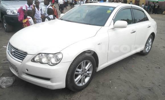 Acheter Voiture Toyota Mark X Blanc en Kasa Vubu