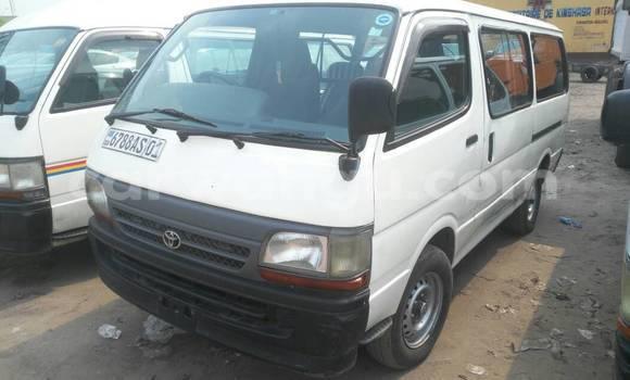 Acheter Voiture Toyota Hiace Blanc en Kasa Vubu