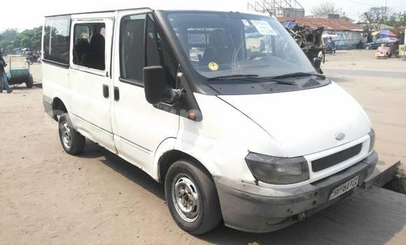 Acheter Voiture Ford Transit Blanc à Ndjili en Kinshasa