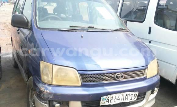 Acheter Voiture Toyota Noah Bleu à Ndjili en Kinshasa