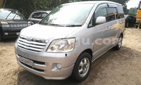 Acheter Voiture Toyota Noah Gris à Kalamu en Kinshasa