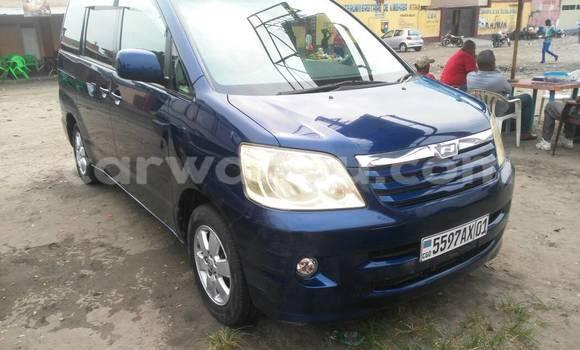 Acheter Voiture Toyota Noah Bleu à Kintambo en Kinshasa