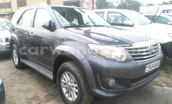 Acheter Voiture Toyota Fortuner Gris à Kasa Vubu en Kinshasa