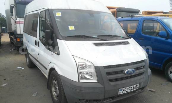 Acheter Voiture Ford Transit Blanc à Kalamu en Kinshasa