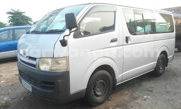 Acheter Voiture Toyota Hiace Gris à Kasa Vubu en Kinshasa