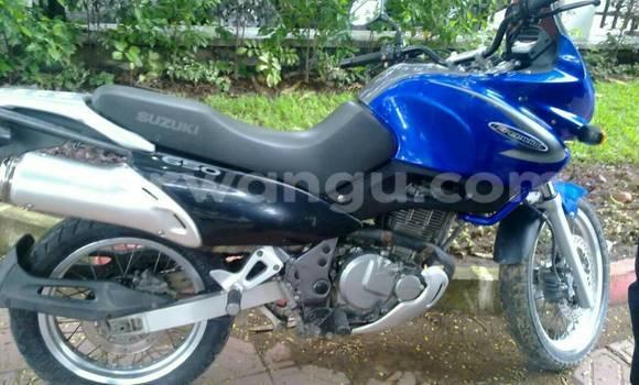 Acheter Moto Suzuki 750 Bleu à Limete en Kinshasa