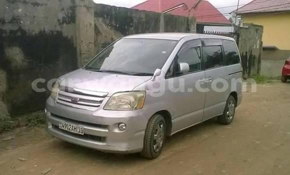 Acheter Voiture Toyota Noah Gris à Mont Ngafula en Kinshasa