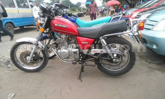 Acheter Moto Suzuki GSX-R Rouge à Kalamu en Kinshasa