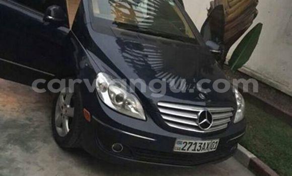 Acheter Voiture Mercedes Benz C-Class Noir à Bandalungwa en Kinshasa