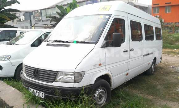 Acheter Voiture Mercedes Benz Sprinter Blanc à Limete en Kinshasa