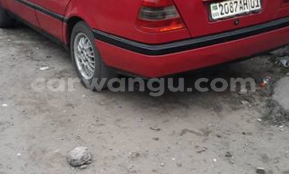 Acheter Voiture Mercedes Benz 1310 CDI Rouge à Bandalungwa en Kinshasa